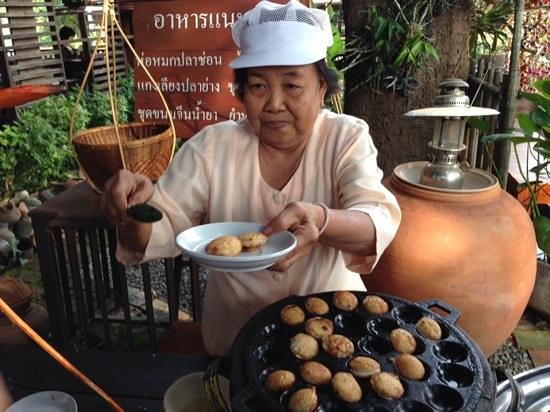 Legendha Sukhothai: some snack to greet you too.  Thai pancake made of coconut milk.