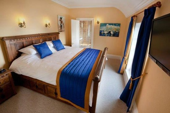 Lynton Cottage Hotel: C S Lewis Suite with magnificent sea views