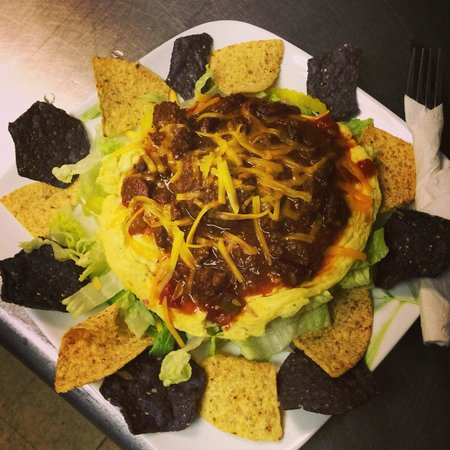 Sammy D's Cafe: Incredible GLUTEN FREE chili-egg-taco salad!