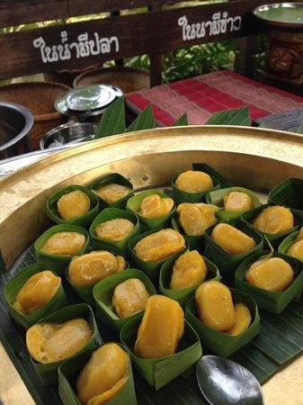 Legendha Sukhothai : Med Kanoon, taditional Thai dessert