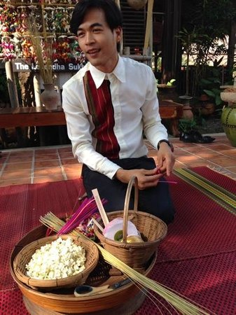 Legendha Sukhothai: the instructor for the coconut leafs fish.