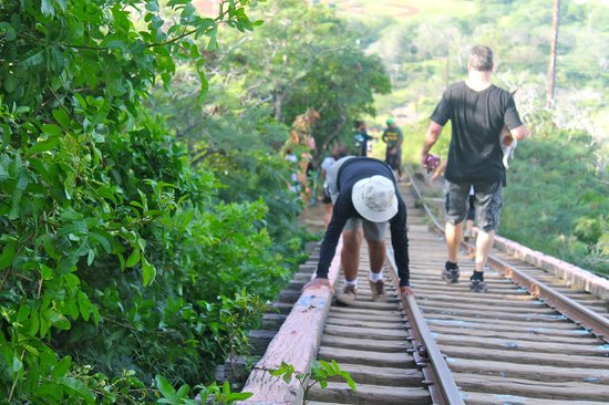 Koko Crater Trail: Crossing the bridge with no bottom