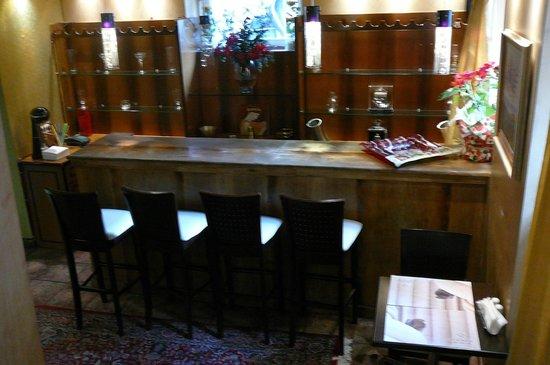 Acropolis Museum Boutique Hotel: Барная стойка