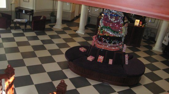 The Luang Say Residence: Christmas in reception