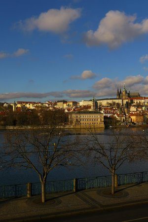"""Hotel Leonardo Prague : A """"Real"""" Winter View from Our Suite"""