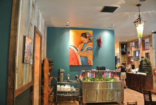 Hacienda Grill Mexican & Sports Bar: Salsa bar