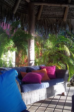Boardwalk Hotel Aruba: Outdoor lounge