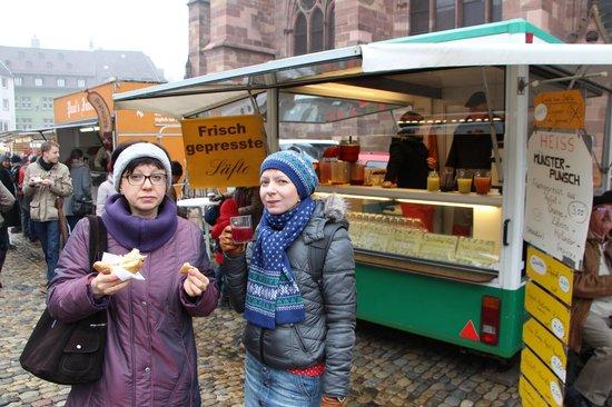 Münsterplatz: Essen Wuerstchen