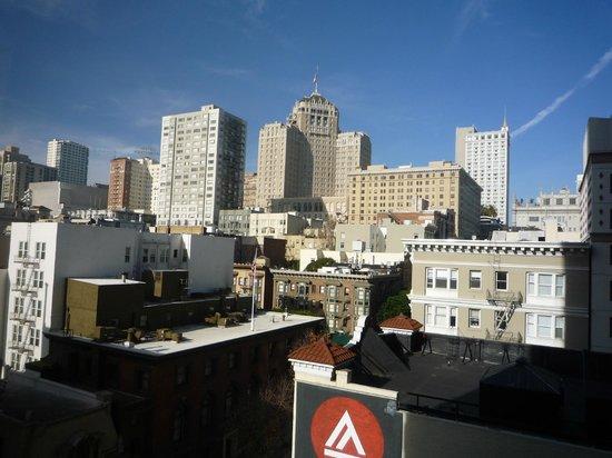 San Francisco Marriott Union Square: 部屋からノブヒルを眺めます