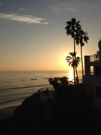 The Inn At Laguna Beach : Sunset view from the pool area.