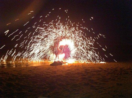 Anantara Lawana Koh Samui Resort : Beach Barbecue mit fire-show