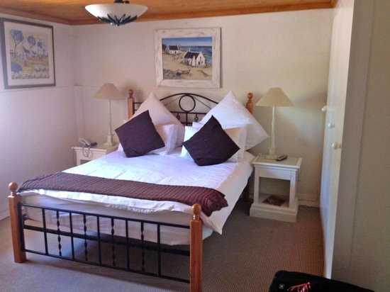 Brenwin Guest House: Queen Bed