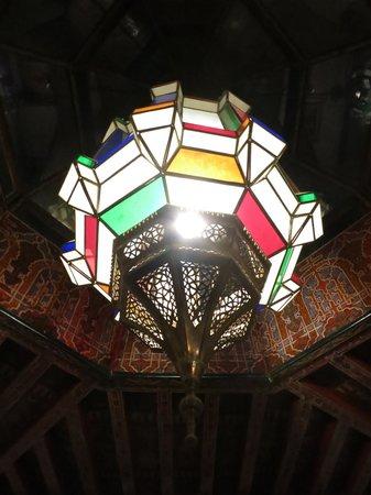 Riad Dar Al Kounouz: moroccan style lamp