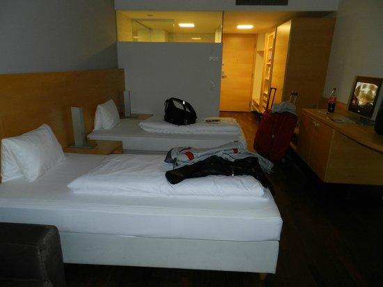 Austria Trend Hotel Congress Innsbruck : Habitación y baño