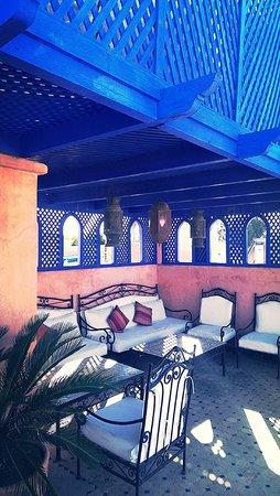 Riad Dar Al Kounouz: rooftop terrace