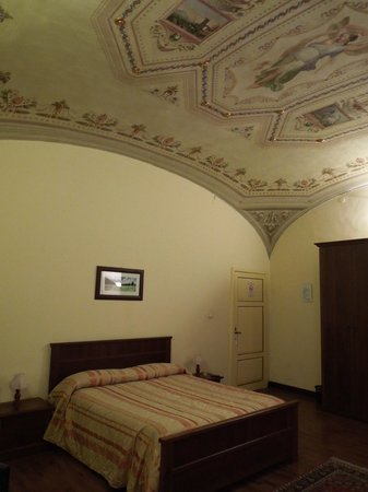 Bed and Breakfast Pantaneto Palazzo Bulgarini: The lovely Margherita room