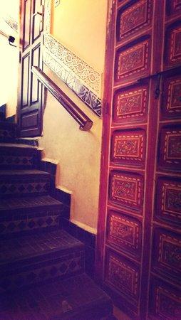 Riad Dar Al Kounouz: stairs to rooftop