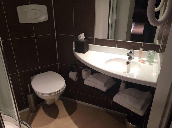 Best Western La Mare O Poissons: Bathroom