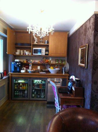 Townhouse Boutique Hotel: coin petit dej