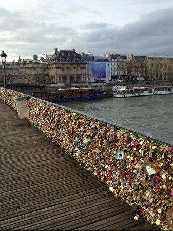 La Seine : Lock bridge over the Seine