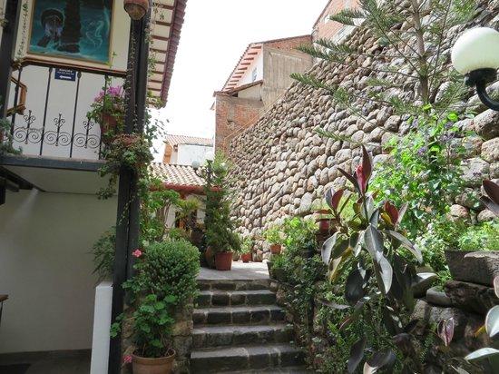 Hotel Rumi Punku : Exterior courtyard