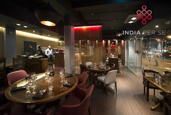 INDIA Per Se: Restaurant reverse shot
