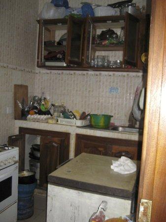 SenegalStyle Bed & Breakfast: Kitchen