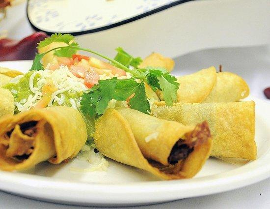 El Jacalito Grill : Taquitos