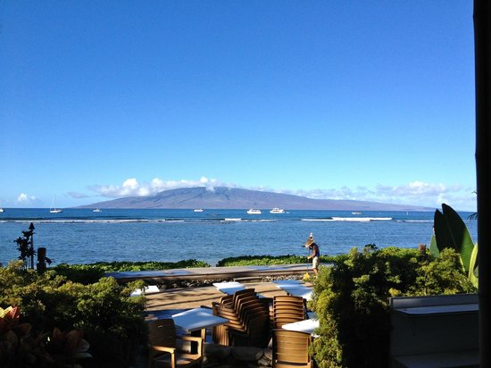 Betty's Beach Cafe : The view from our table at Betty's!  That's Lanai across the water.