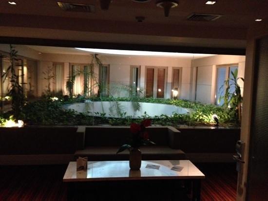 The Sofa Hotel : lobby interno