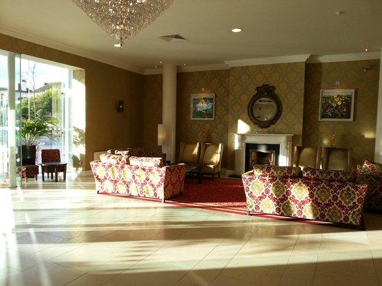 Grand Hotel Malahide: Seating area in Hotel lobby