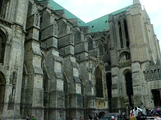 Cathédrale de Chartres : Cathedrale de Chartres: Francia: archi e contrafforti