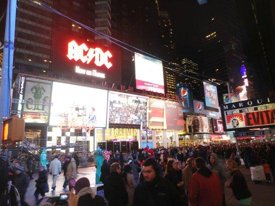 Hotel Edison Times Square : Esquina do Hotel