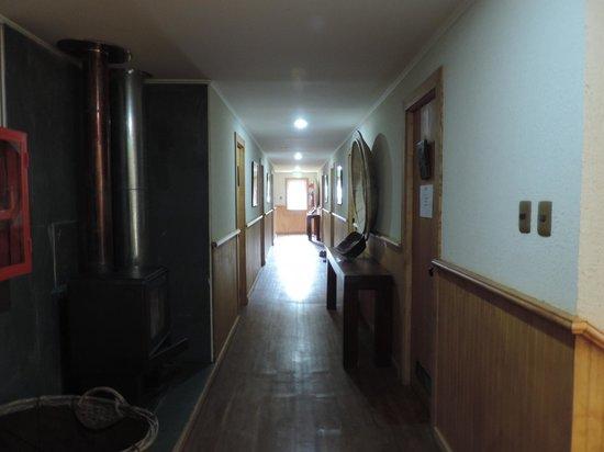 Refugio Grey: Corridor