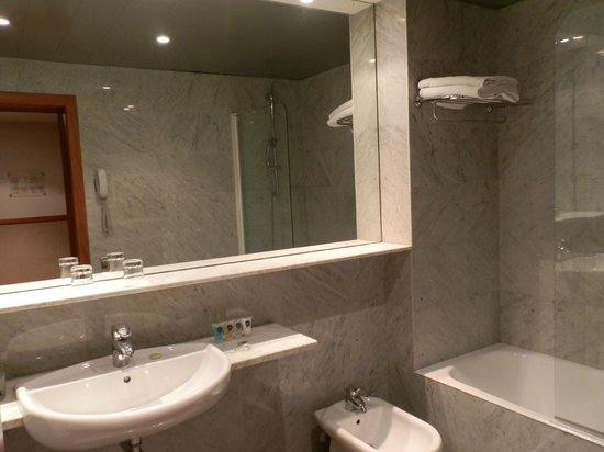 Onix Rambla Hotel : Ванная