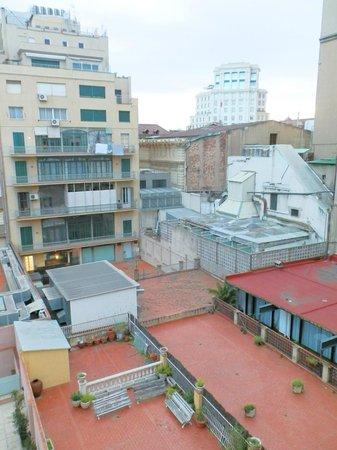 Onix Rambla Hotel : Вид во двор