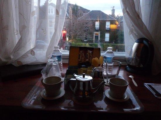 Sherwood Guest House: set per bevande calde