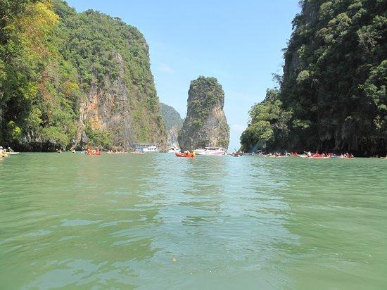 Best Rafting 4U: Seeing the caves on a sea canoe
