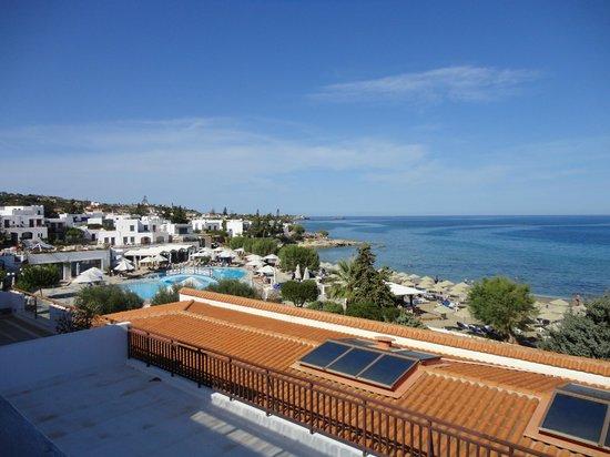 Creta Maris Beach Resort : Sea view from the room in the main building