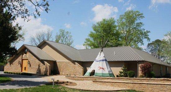 Museum of Native American History : MONAH museum