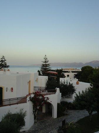 Creta Maris Beach Resort : Bungalow area
