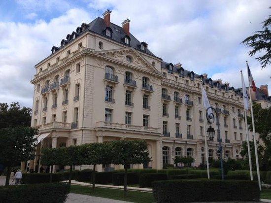 Exterior photo de trianon palace versailles a waldorf astoria hotel versailles tripadvisor - Hotel trianon versailles ...