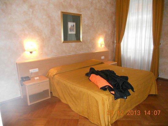 Hotel Roma Prague: Stanza da letto