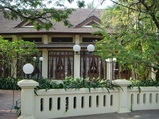 Settha Palace Hotel : Aussenansicht