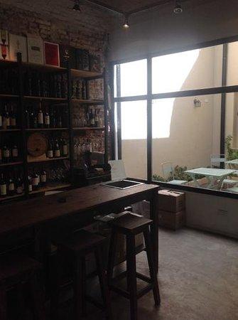 Pain et Vin Buenos Aires: open table/patio
