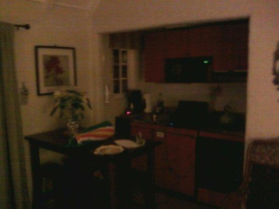 Edgemere Cottages: Rosemont - Kitchen area