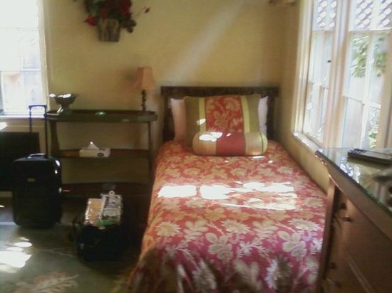 Edgemere Cottages: extra bed in the Rosemont