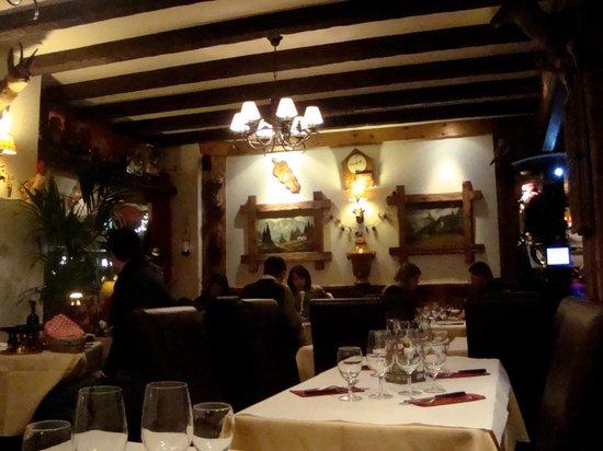 Au Petit Chalet: Интерьер
