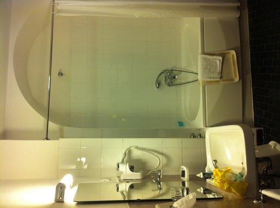 Hotel Victoria: Bagno