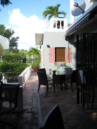 Hacienda Tamarindo: breakfast terrace area